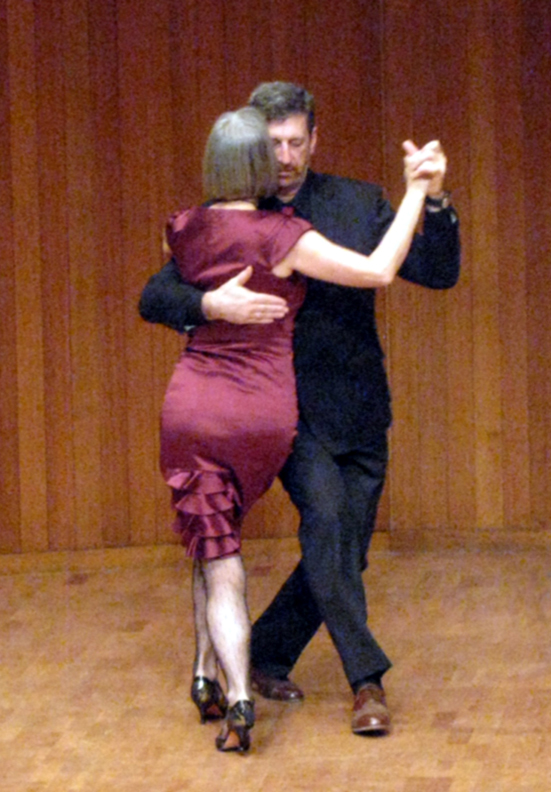 photo of Emil and Cvet Jankulovska dancing the Milonga