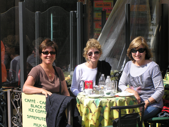 photo of Julie and friends Sophie and Anne in Taormina in Sicily